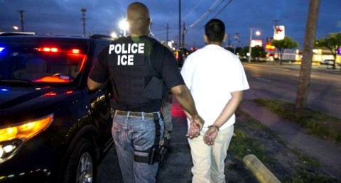 Arrest of undocumented immigrant. Photo: US Immigration and Customs Enforcement agency