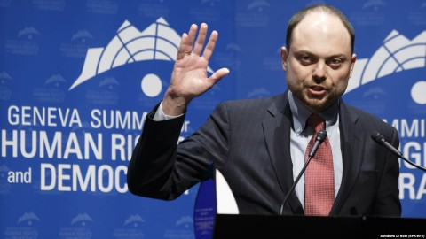 Kremlin critic Vladimir Kara-Murza received the 2018 Courage Award at the 10th Geneva Summit for Human Rights and Democracy in February. Photo: Salvatore di Nolfi, EPA-EFE